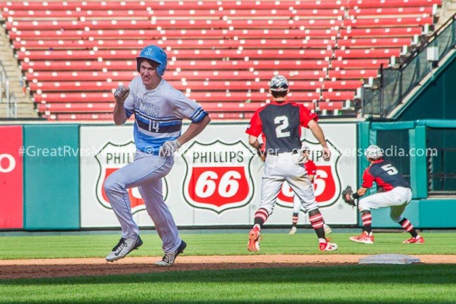 Jersey's Blake Wittman Hits Busch Stadium Outfield Wall