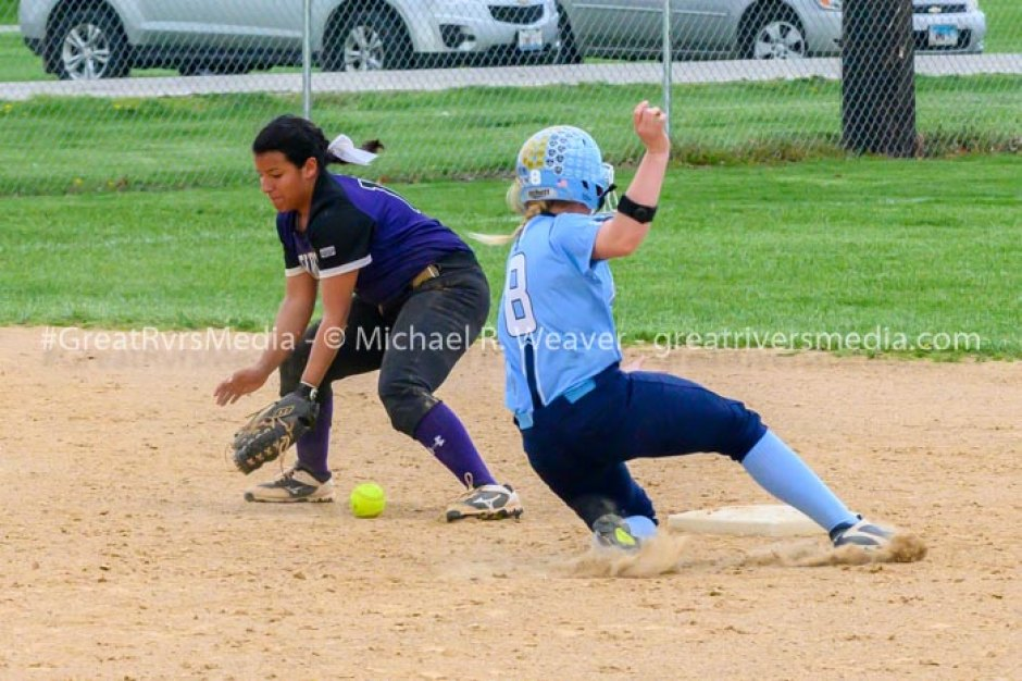 Panthers Softball Get Win Against Mascoutah